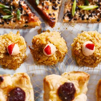 Potato-Chip-and-Pimiento Mini Crab Cakes recipe
