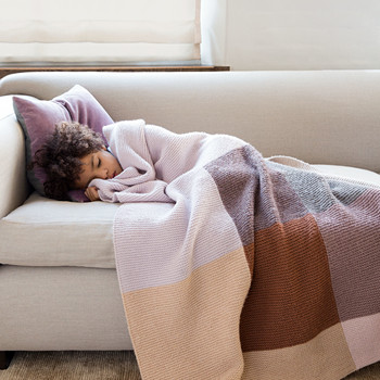 What Is the Best Yarn to Use When Making a Blanket?