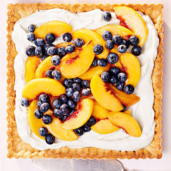 peach and blueberry tart with cream cheese filling
