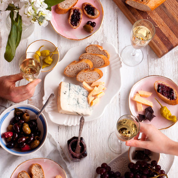 How to Start a Dinner Club