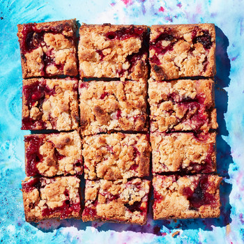 plum and blackberry cornmeal almond crumb bars