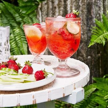 strawberry cucumber gin elderflower spritz