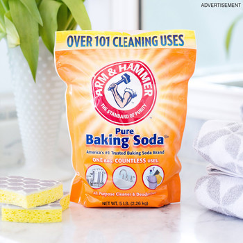 The Safest Way to Clean Your Bathroom Surfaces