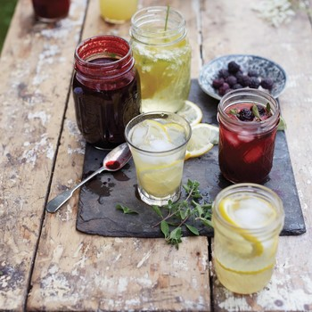 Spiked Elderflower Lemonade