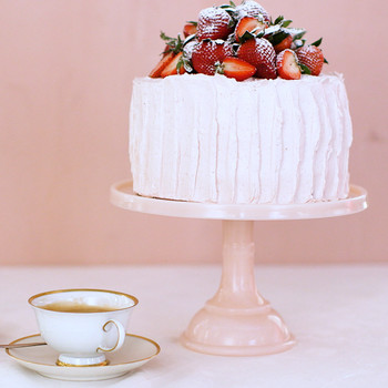 Sponge Cake with Strawberry-Meringue Buttercream ST