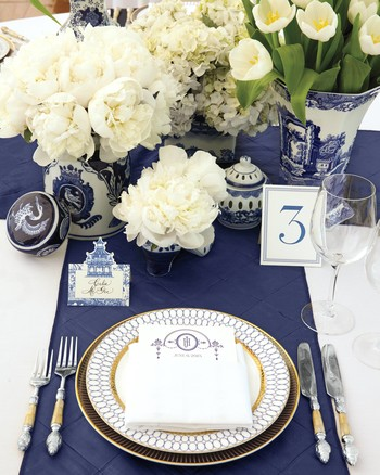 mhonor-jay-wedding-connecticut-tablescapes-centerpieces-tullips-061- & Christmas Table Settings | Martha Stewart