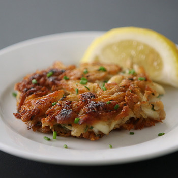 Watch: How to Make Crisp and Tender Crab Cakes