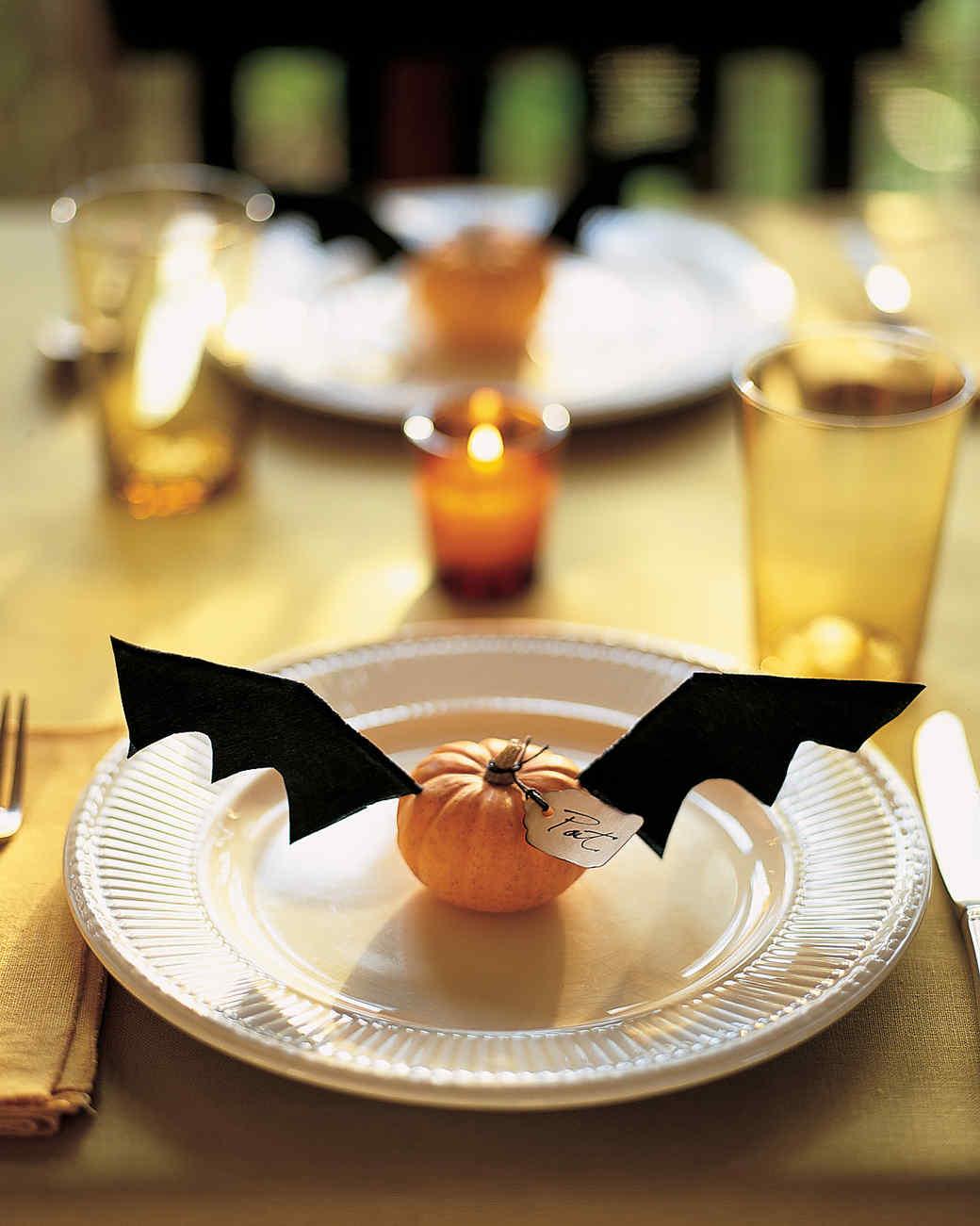 Halloween Centerpieces And Tabletop Ideas Martha Stewart - Best halloween table decoration ideas