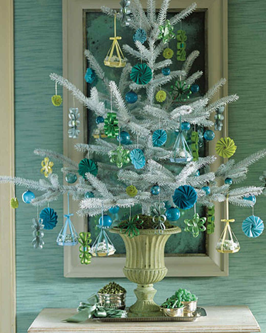 & 28 Creative Christmas Tree Decorating Ideas | Martha Stewart
