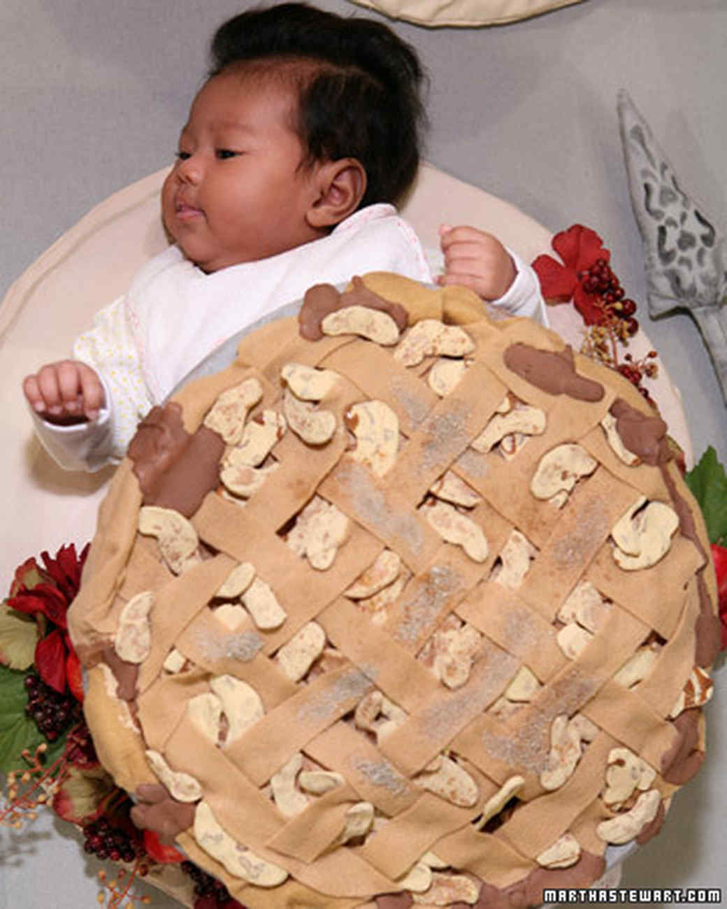 Halloween Baby Costume: Pie