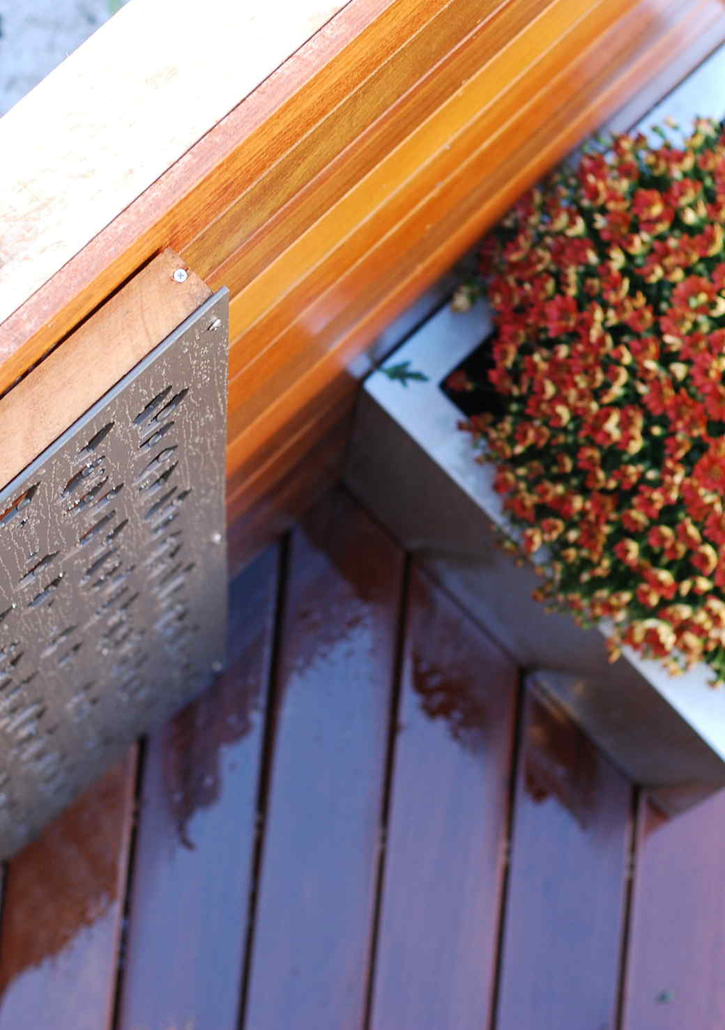 How to Build an Outdoor Oasis on an Apartment Roof Deck