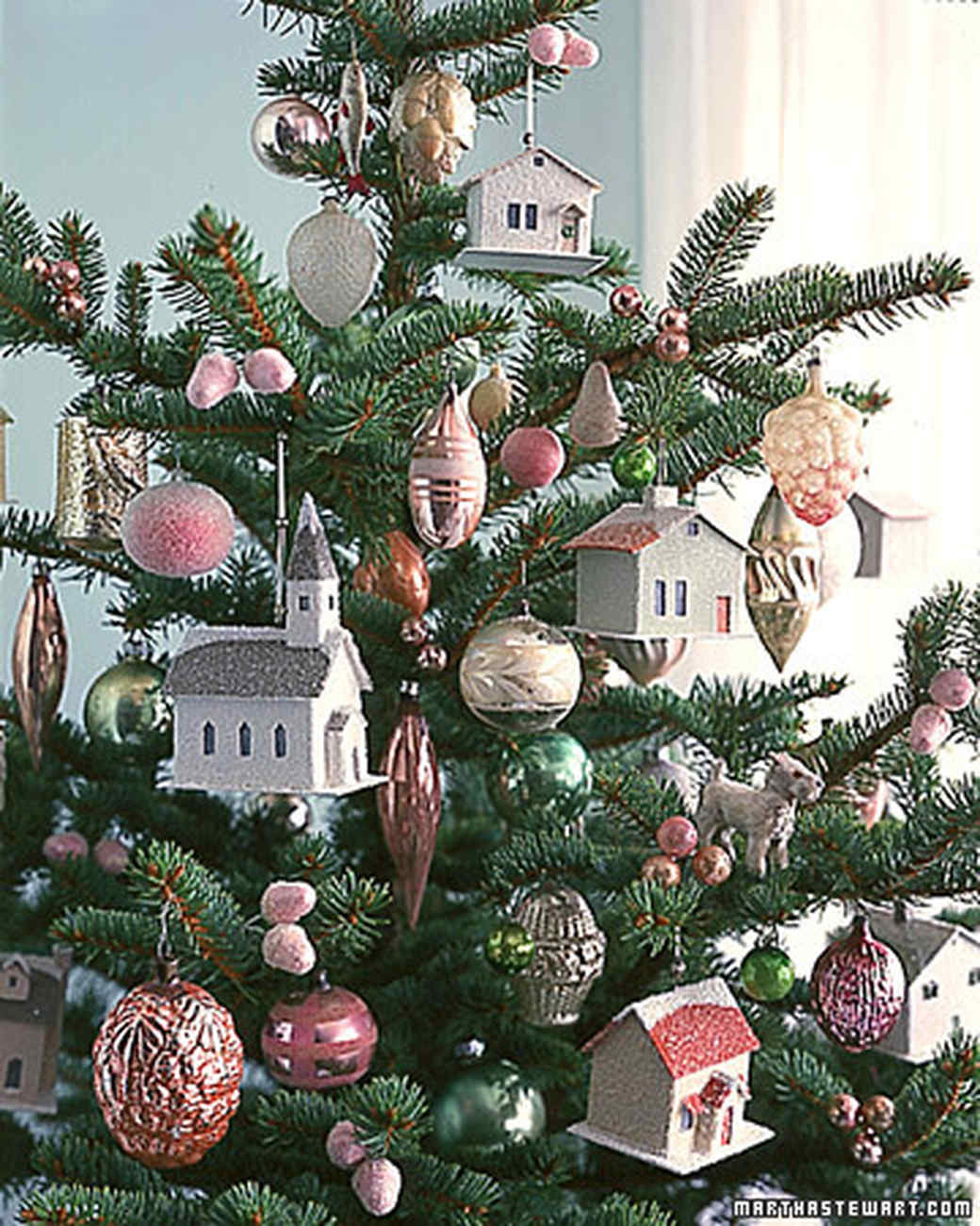 Winter Village: Tree Ornament How-To
