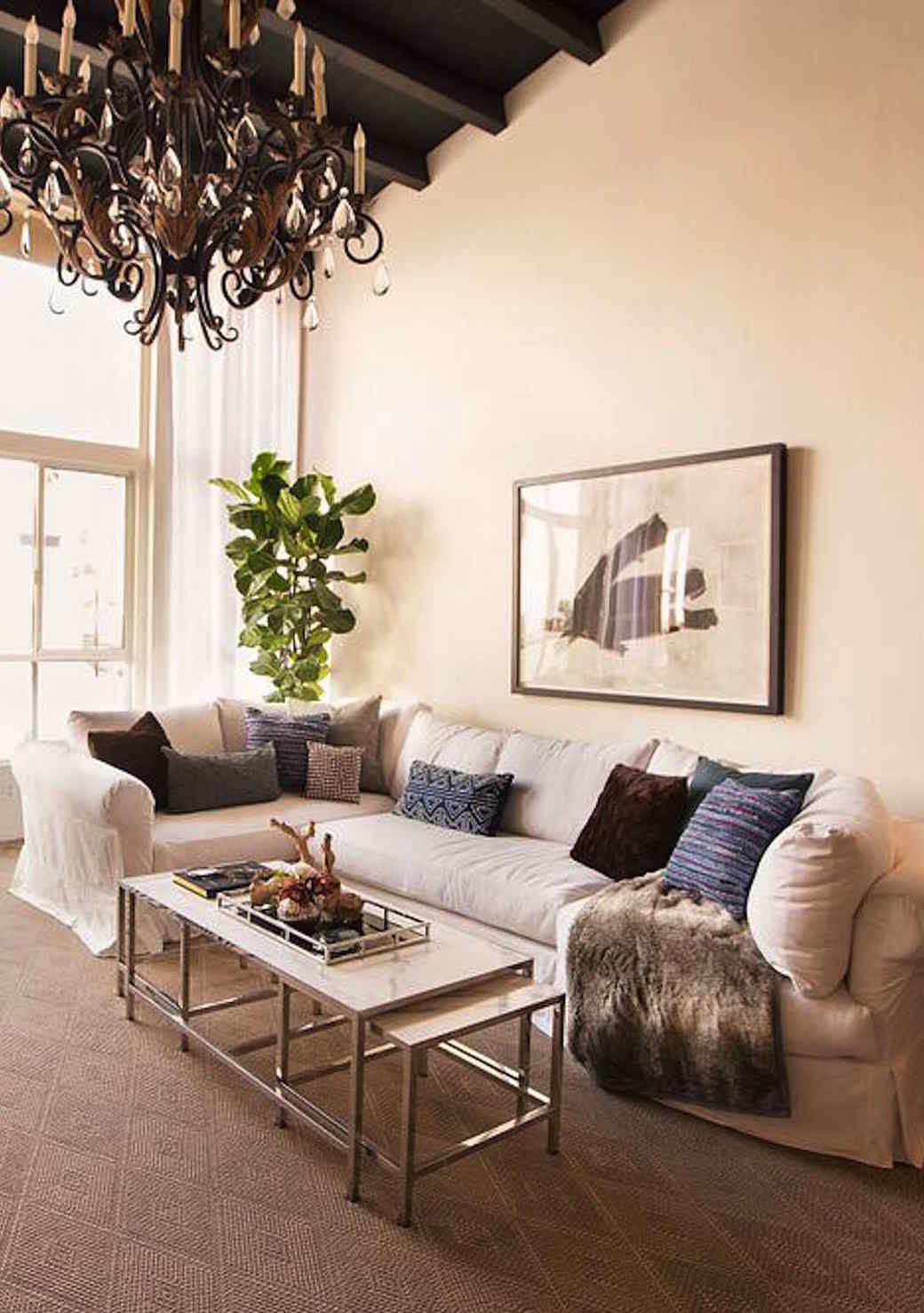couch-white-1016.jpg (skyword:349117)