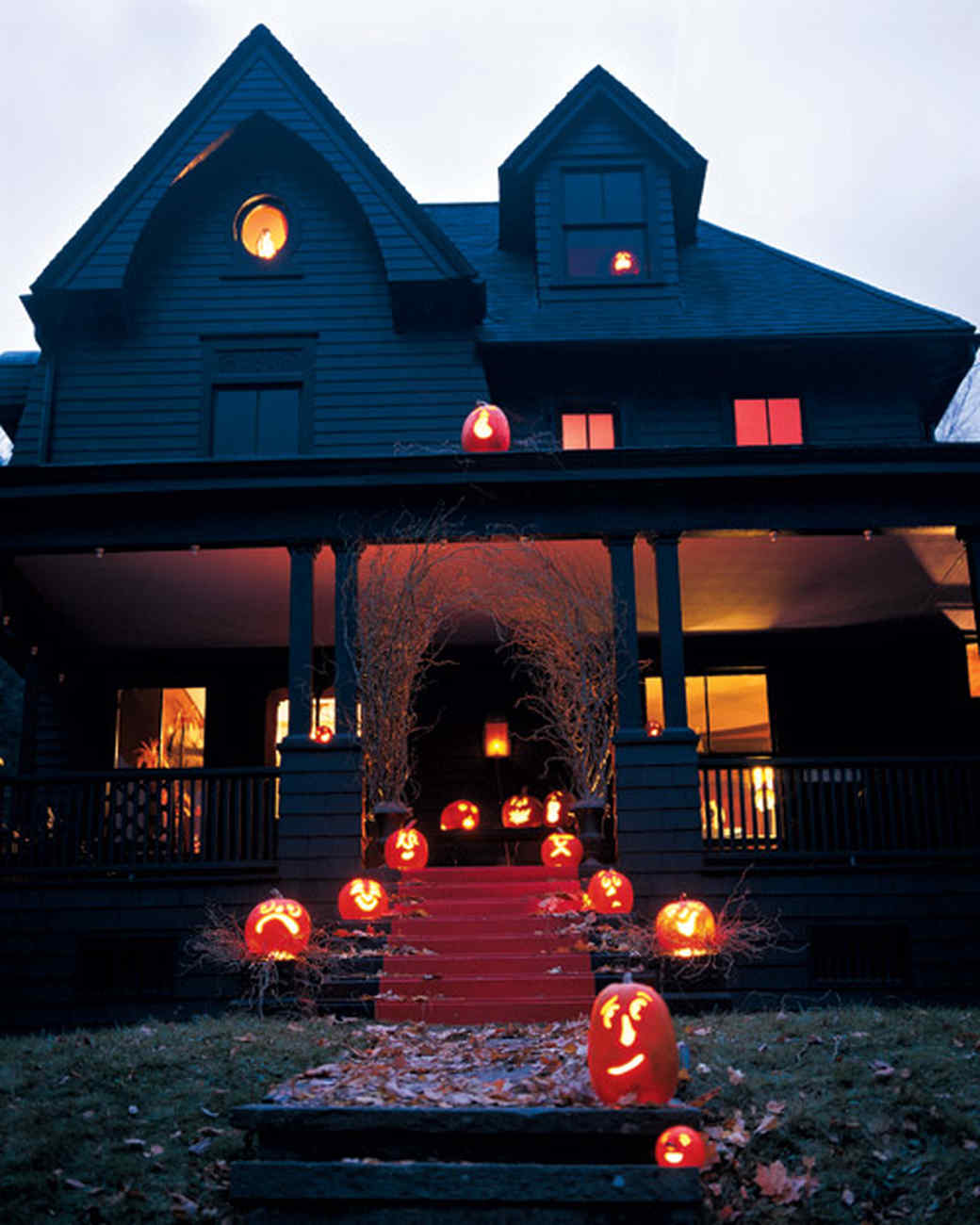 outdoor halloween decorations martha stewart - Halloween House Decorating Ideas Outside