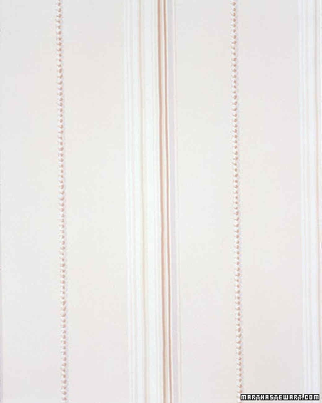 Hanging Wallpaper: Matching Patterns