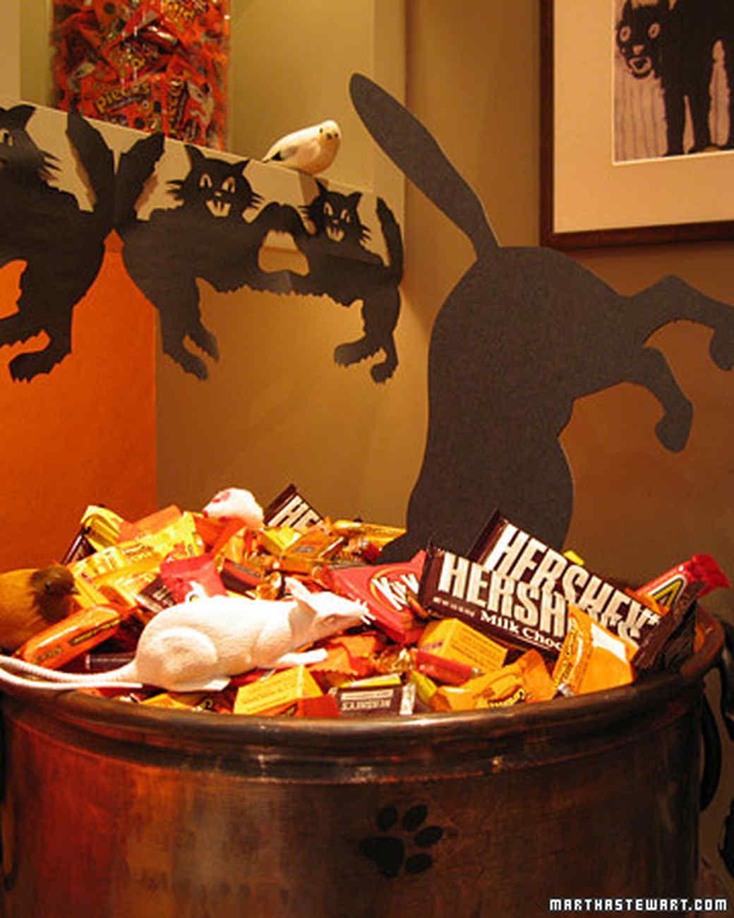 halloween2_candy.jpg