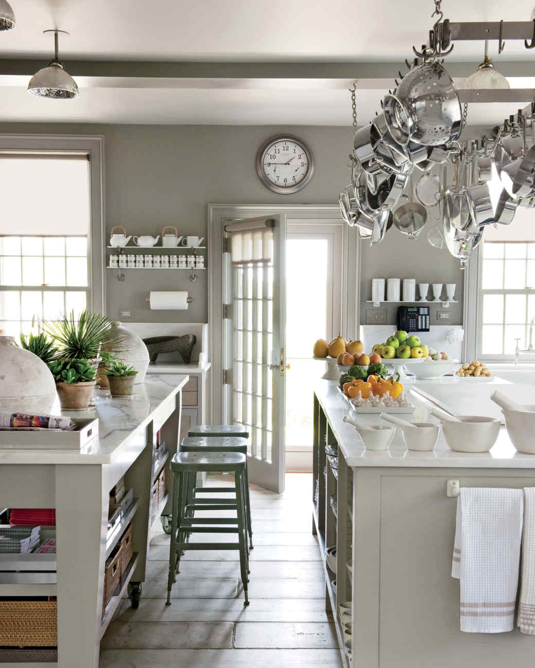 Marthas Top Kitchen Tips Martha Stewart - Martha stewart decorating above kitchen cabinets