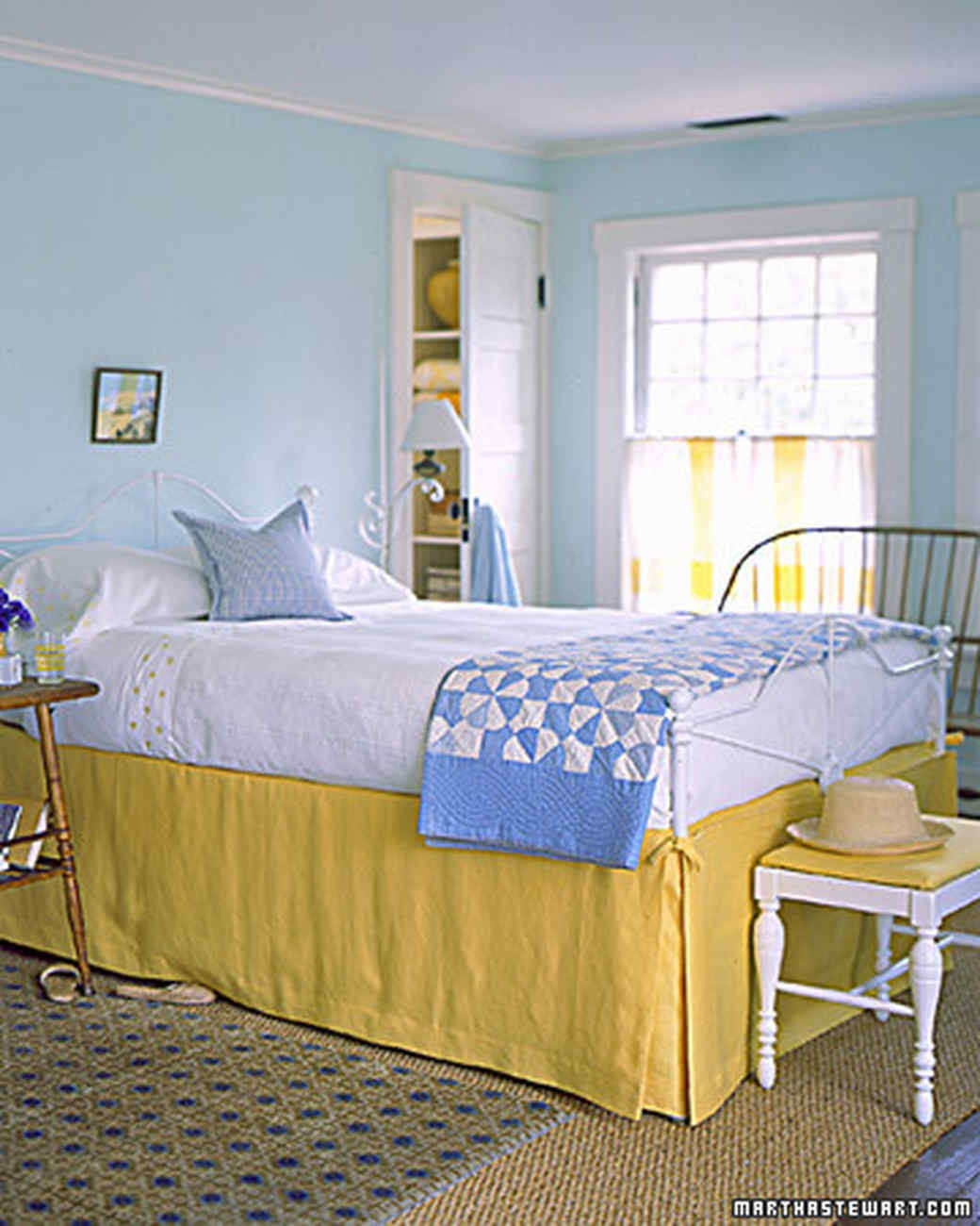 Yellow rooms martha stewart for Bedroom yellow paint