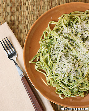 Parsley-Flaxseed Pesto Pasta