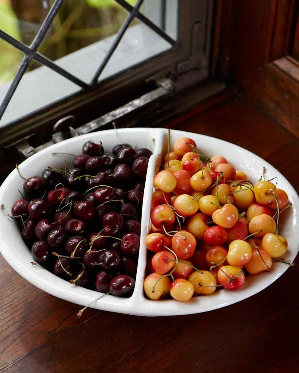cherries-ld107757.jpg