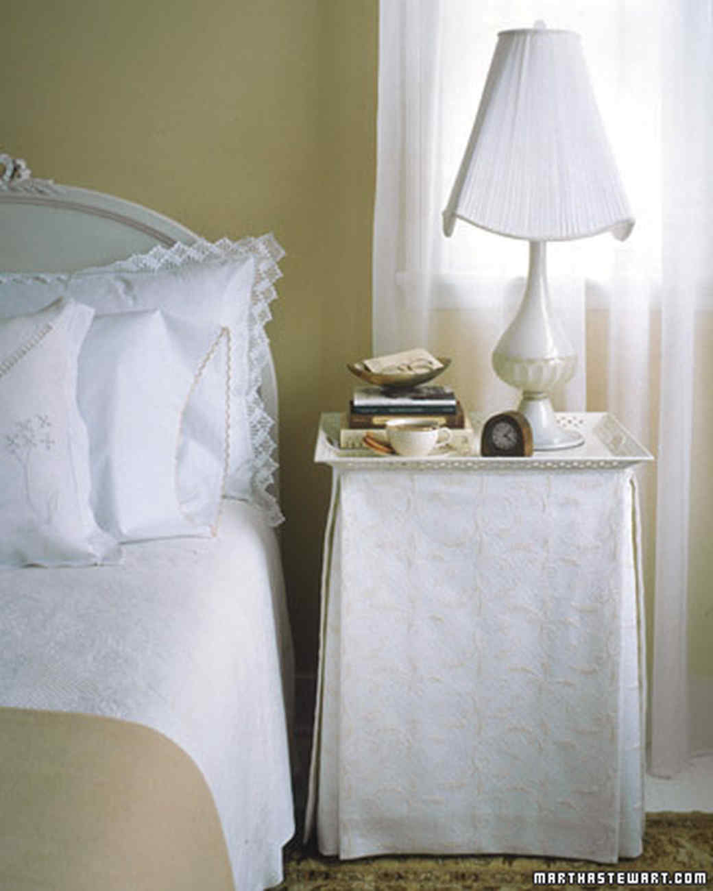 Skirted Tray Table