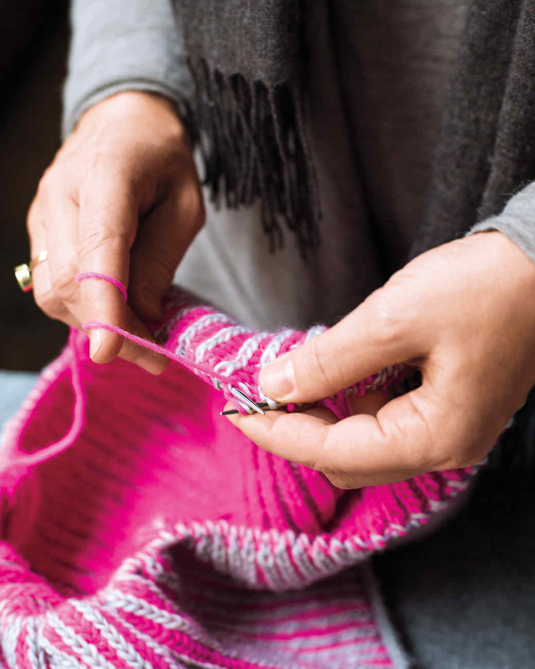knitting-md110821.jpg
