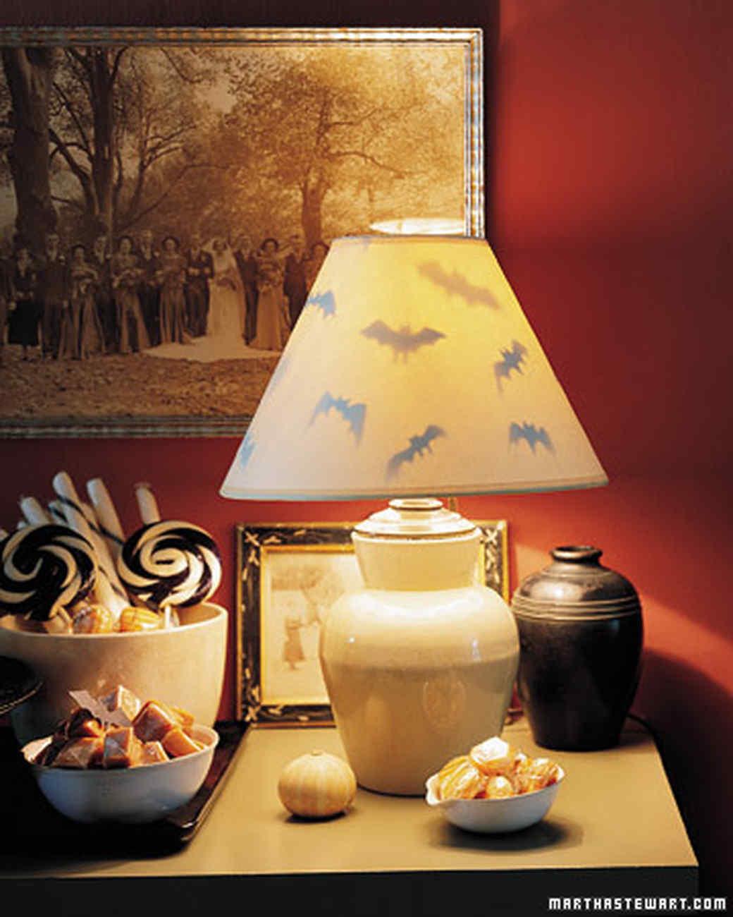la910_hall07_lamp.jpg