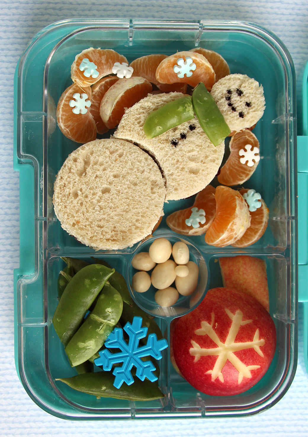 snowman-bento-box.jpg (skyword:357486)