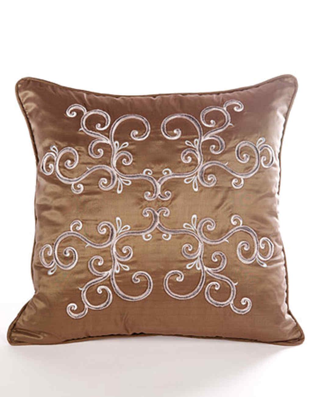 Thread Velvet Pillow
