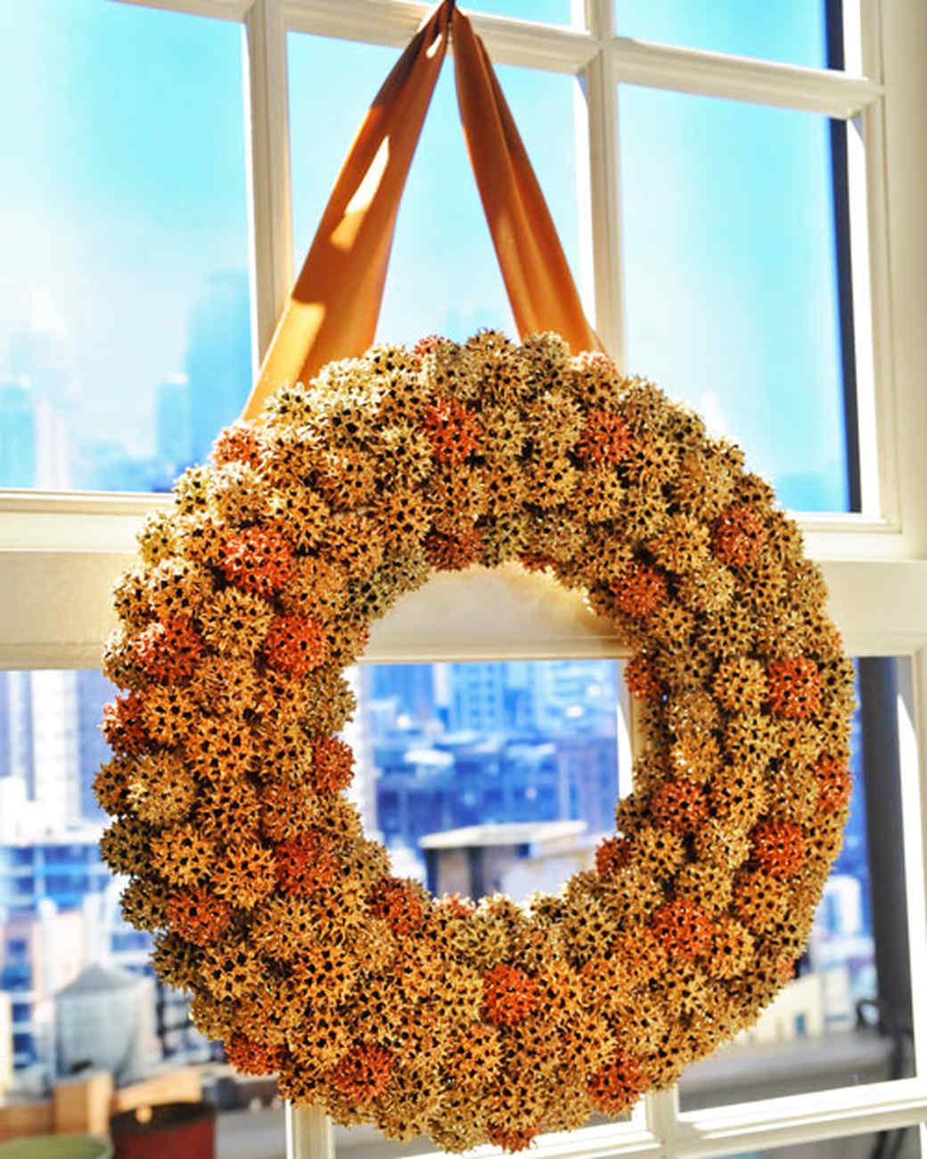 6058_120310_wreath.jpg