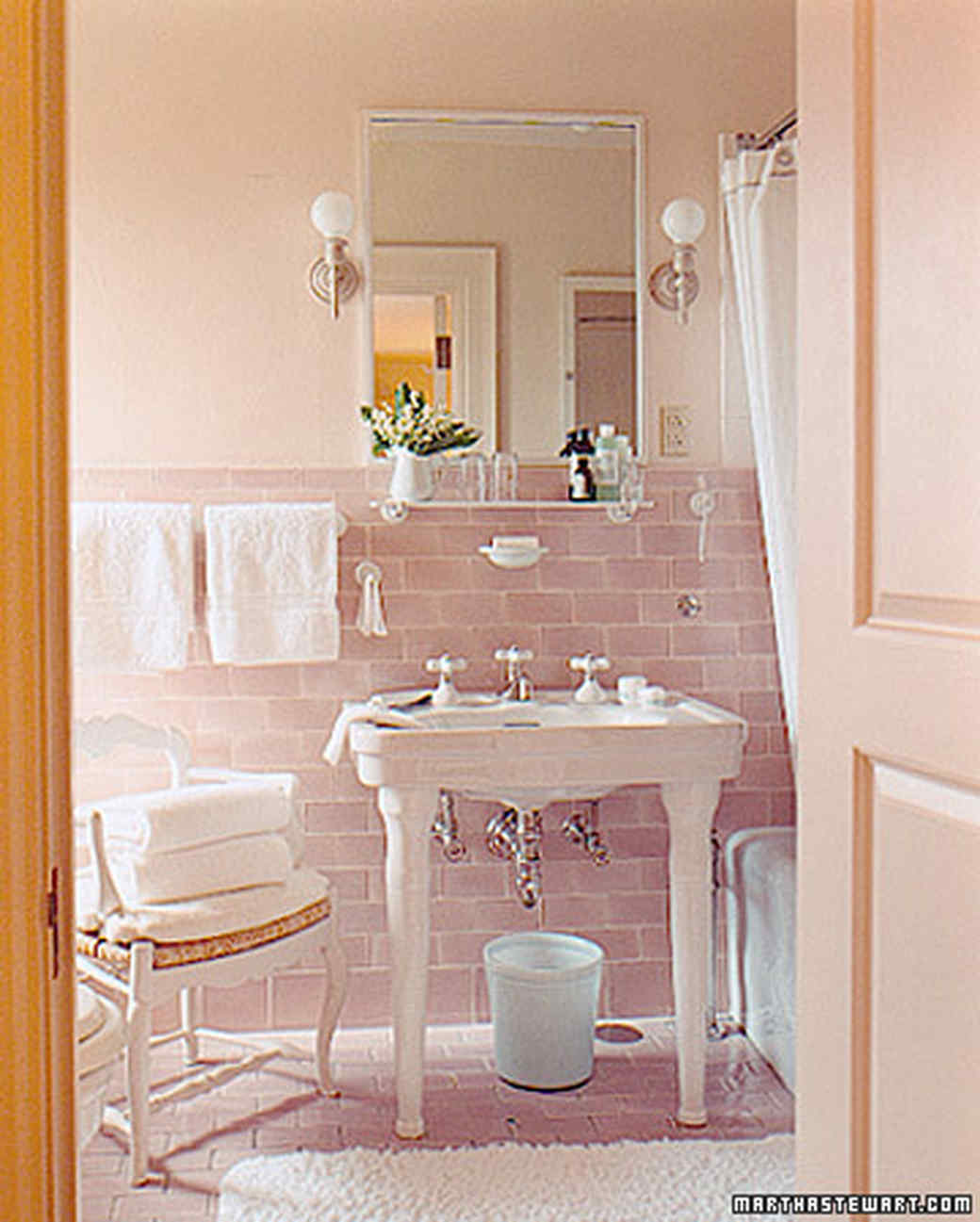 our favorite bathrooms - Pink Bathroom Themes