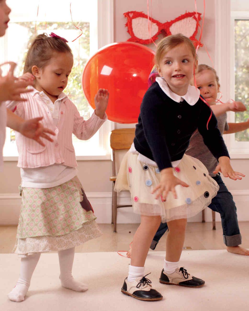 dancing6-mld108152.jpg