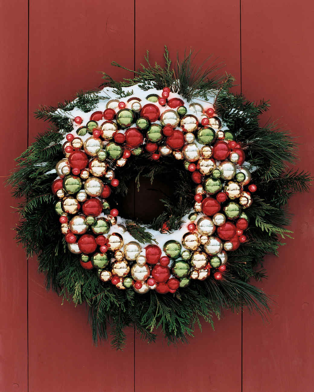 Ball and Light Wreath