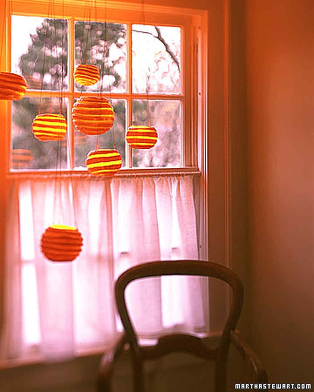 Pumpkin Chandeliers: Hanging Orbs