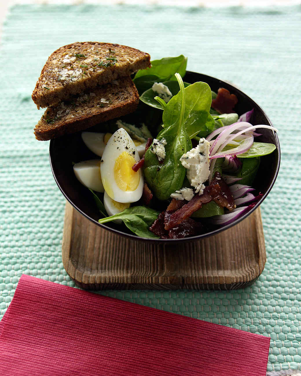 Spinach Salad with Turkey Bacon and Blue Cheese