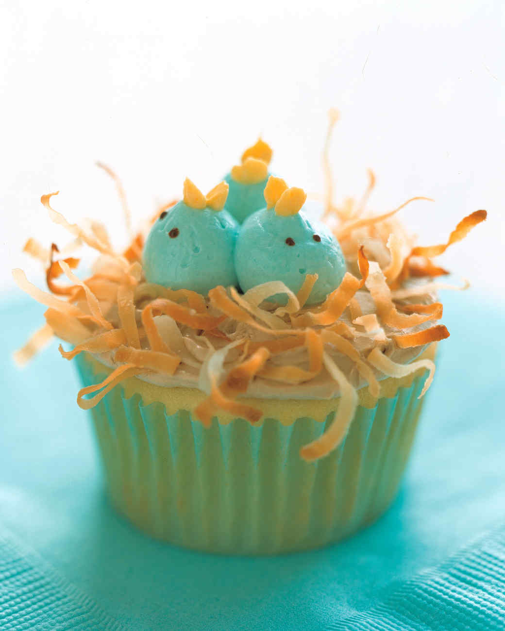 Decorating ideas for cupcakes martha stewart for Creative cupcake recipes and decorating ideas