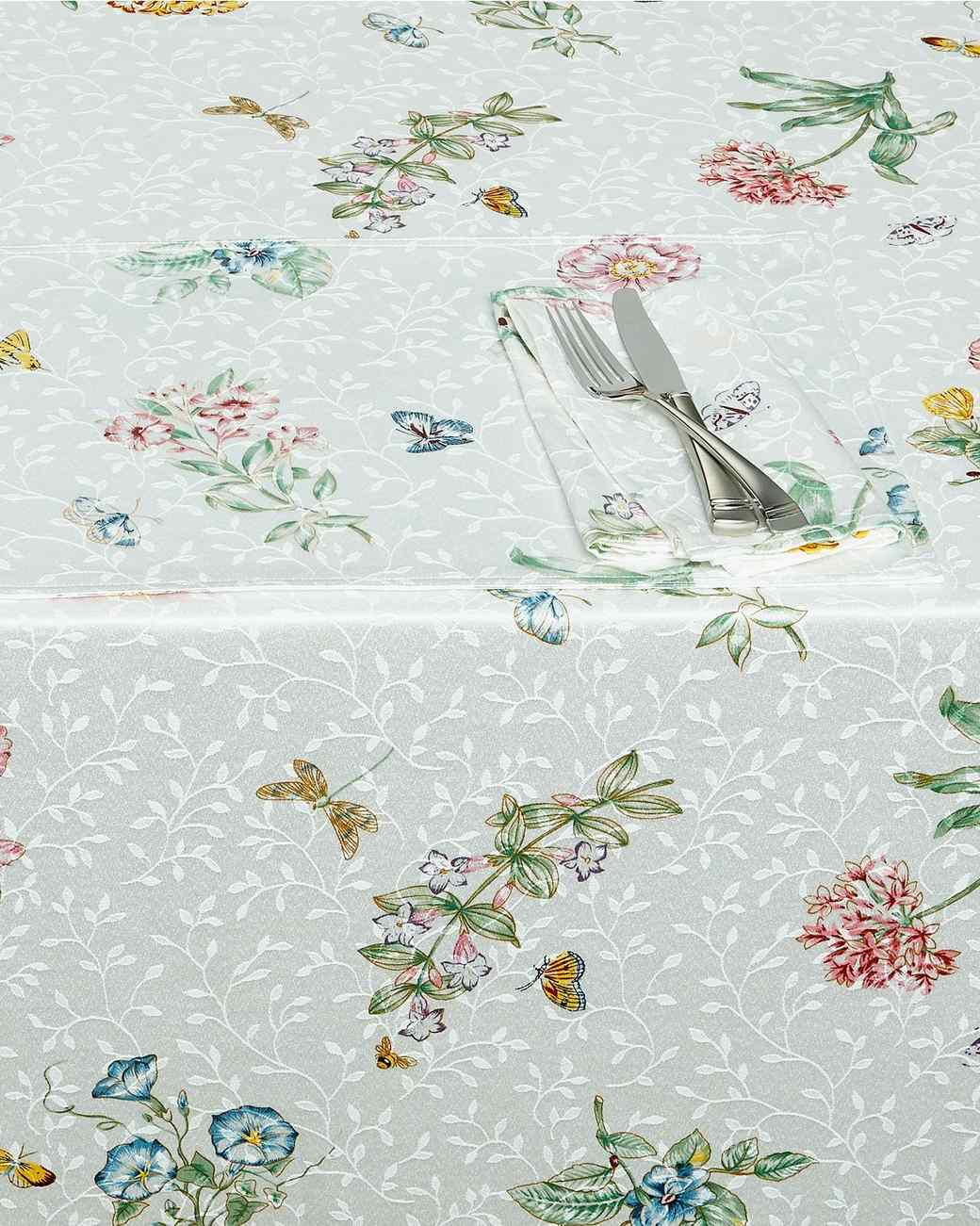 mothers-day-ee-tablecloth-0418