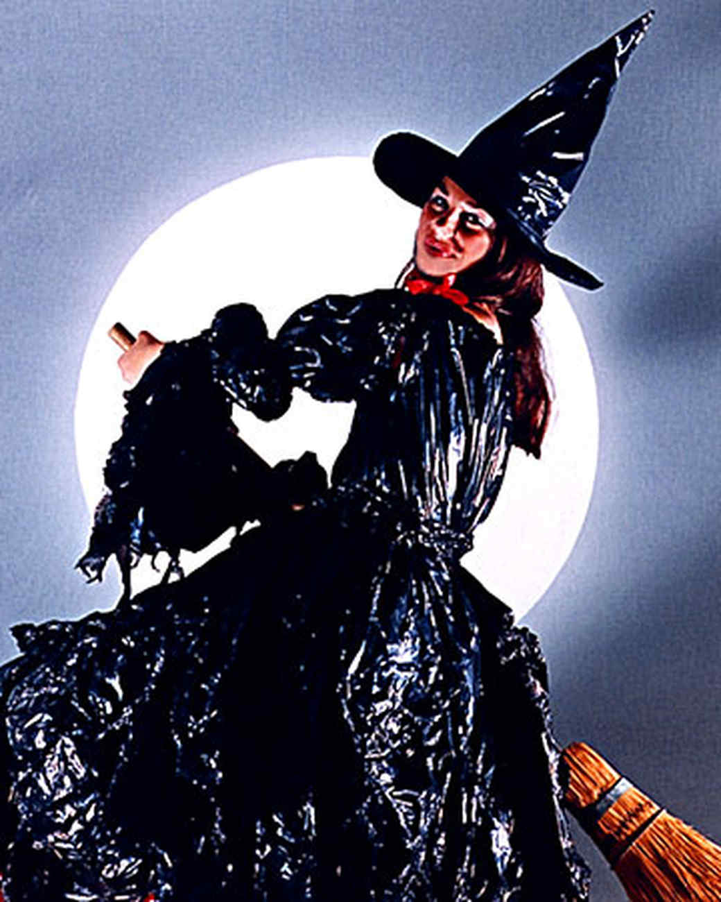 No-Sew Witch Costume
