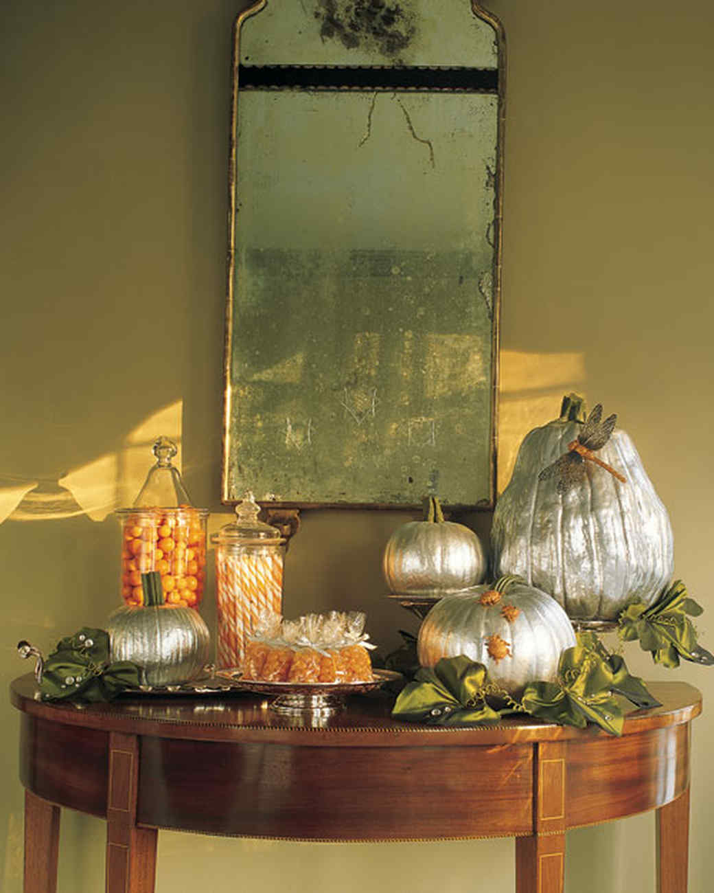 Indoor Halloween Decorations | Martha Stewart