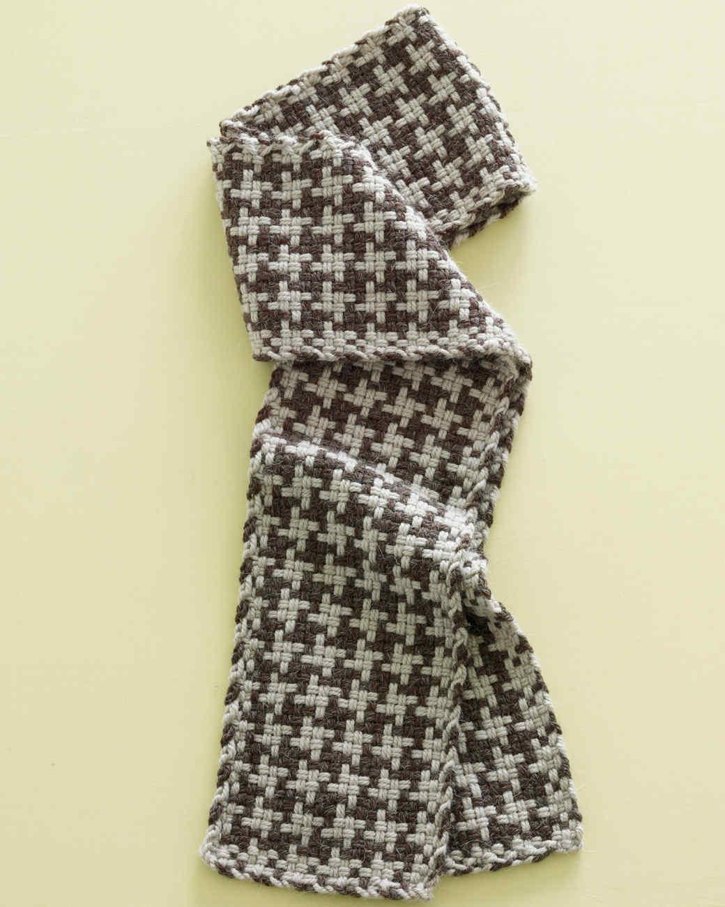 Martha Stewart Crafts Lion Brand® Yarn Alpaca Blend Loom-Woven Houndstooth-Check Scarf