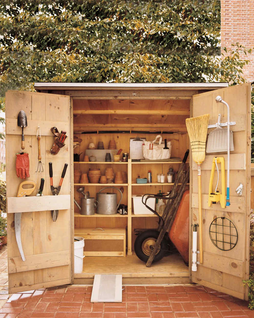 How to organize the shed prepare compost and care for for Garden shed organisation