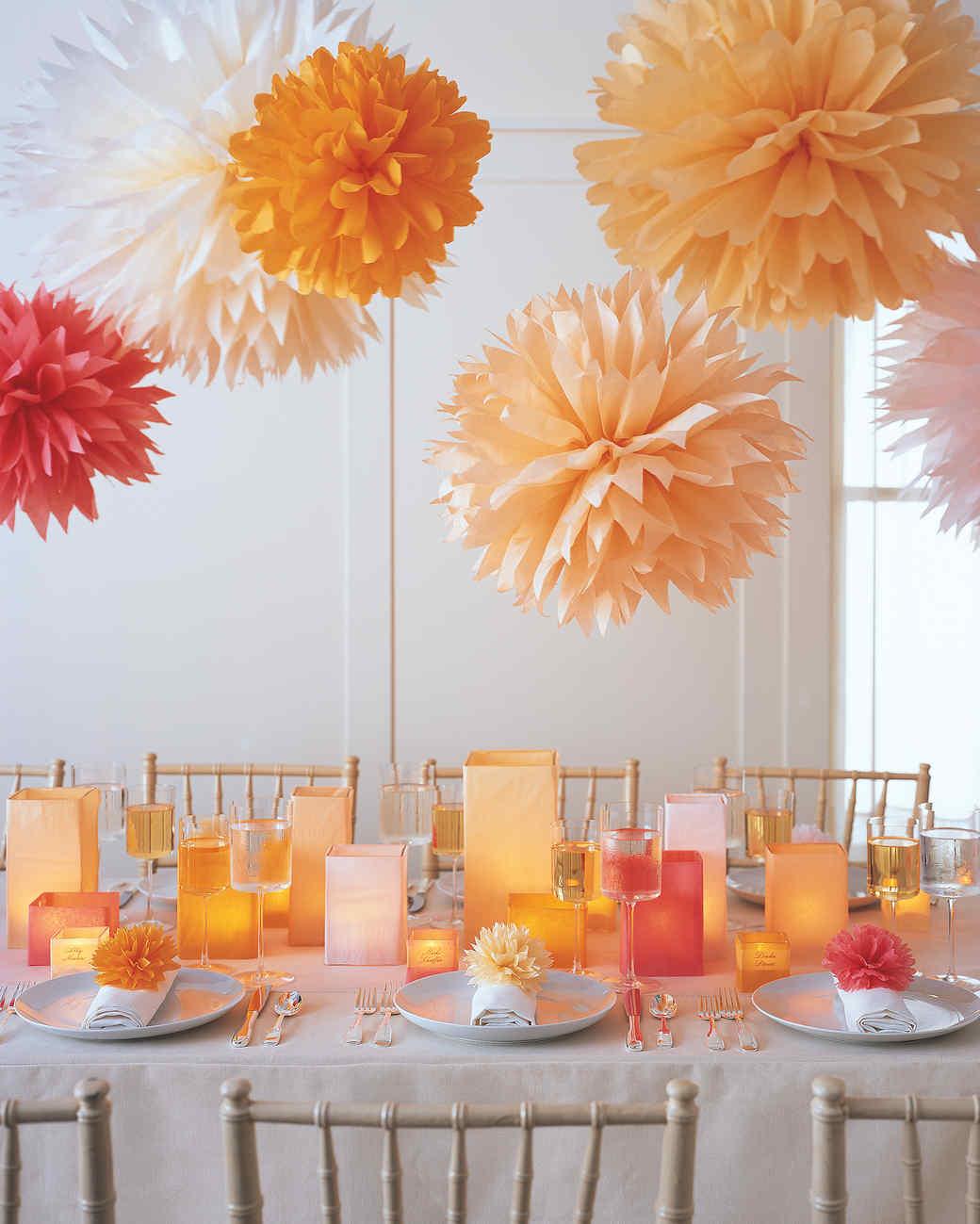 decoration halloween fait maison 2 Pom-Poms and Luminarias