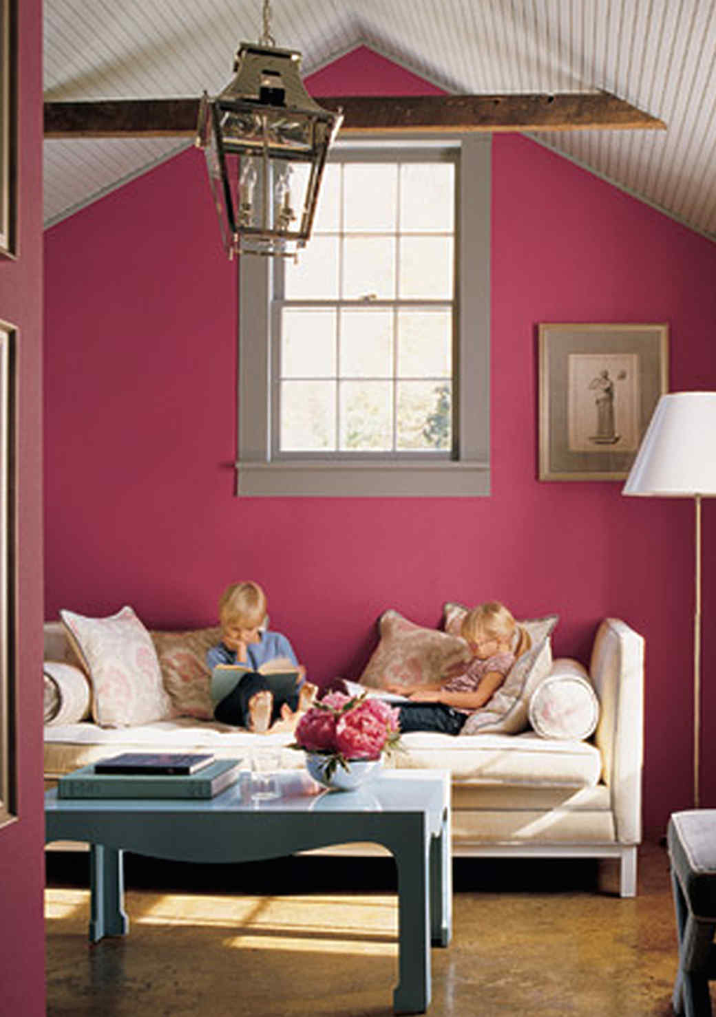 pink-blue-room-1016.jpg (skyword:349129)