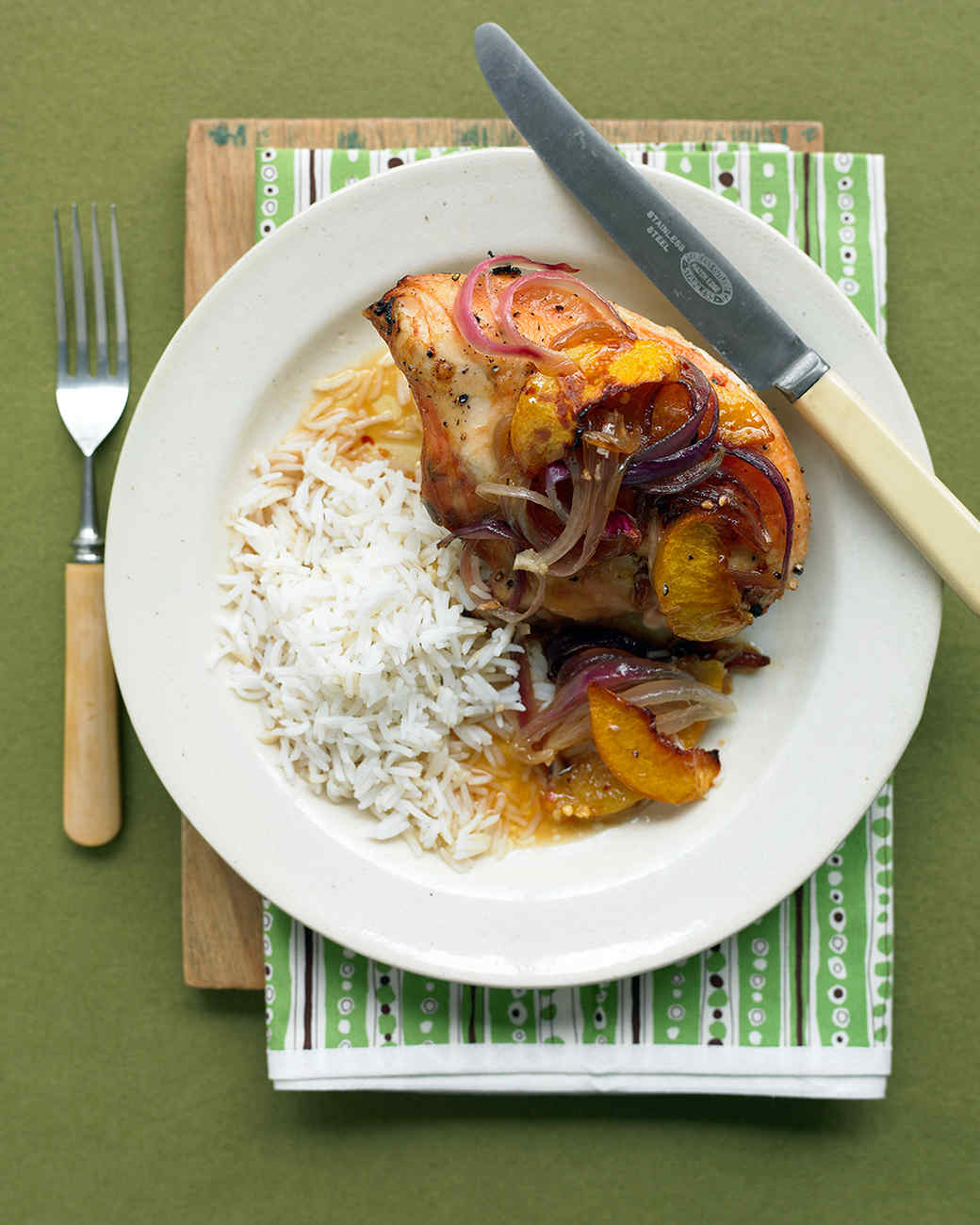 Ginger Chicken with Peaches and Onion