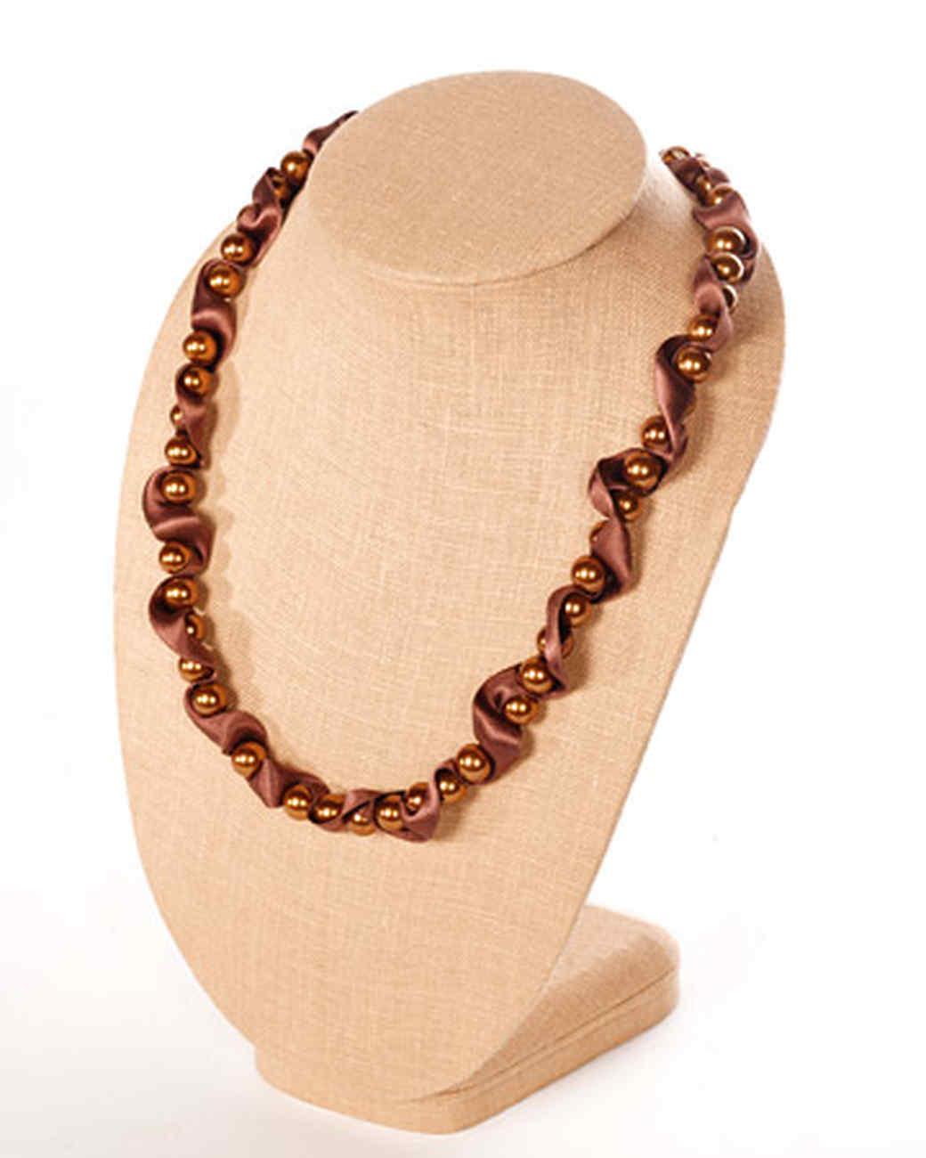 3145_032708_necklace.jpg