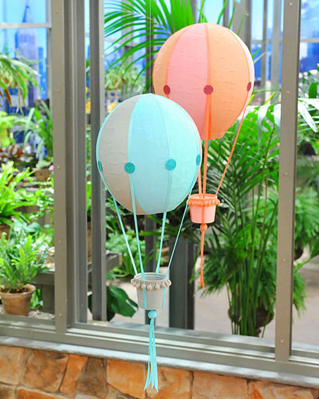 Papier mache hot air balloons video martha stewart for Papier mache decorations