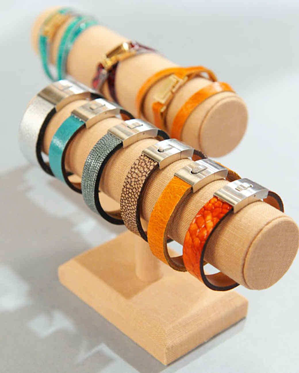 6063_121010_bracelet.jpg