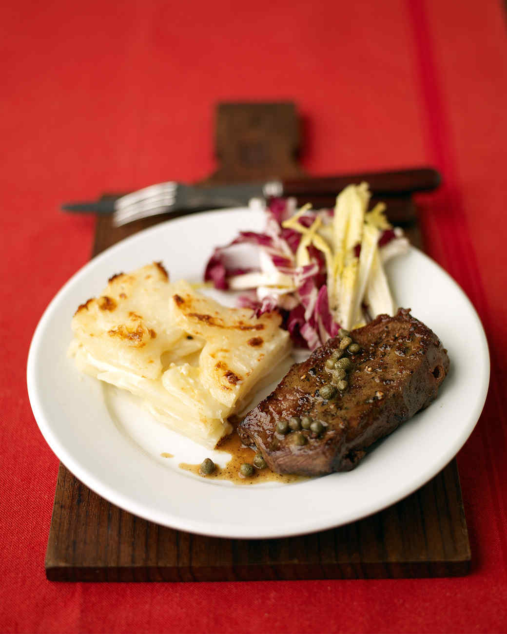 Steak with Wine Sauce and Potato Gratin