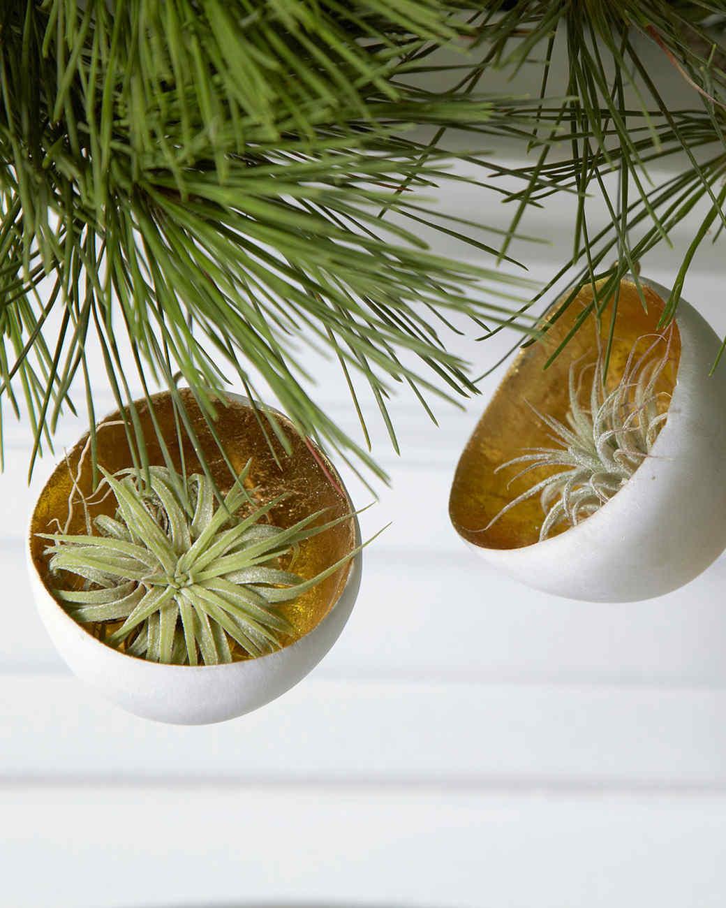 flora-grubb-ornament.jpg