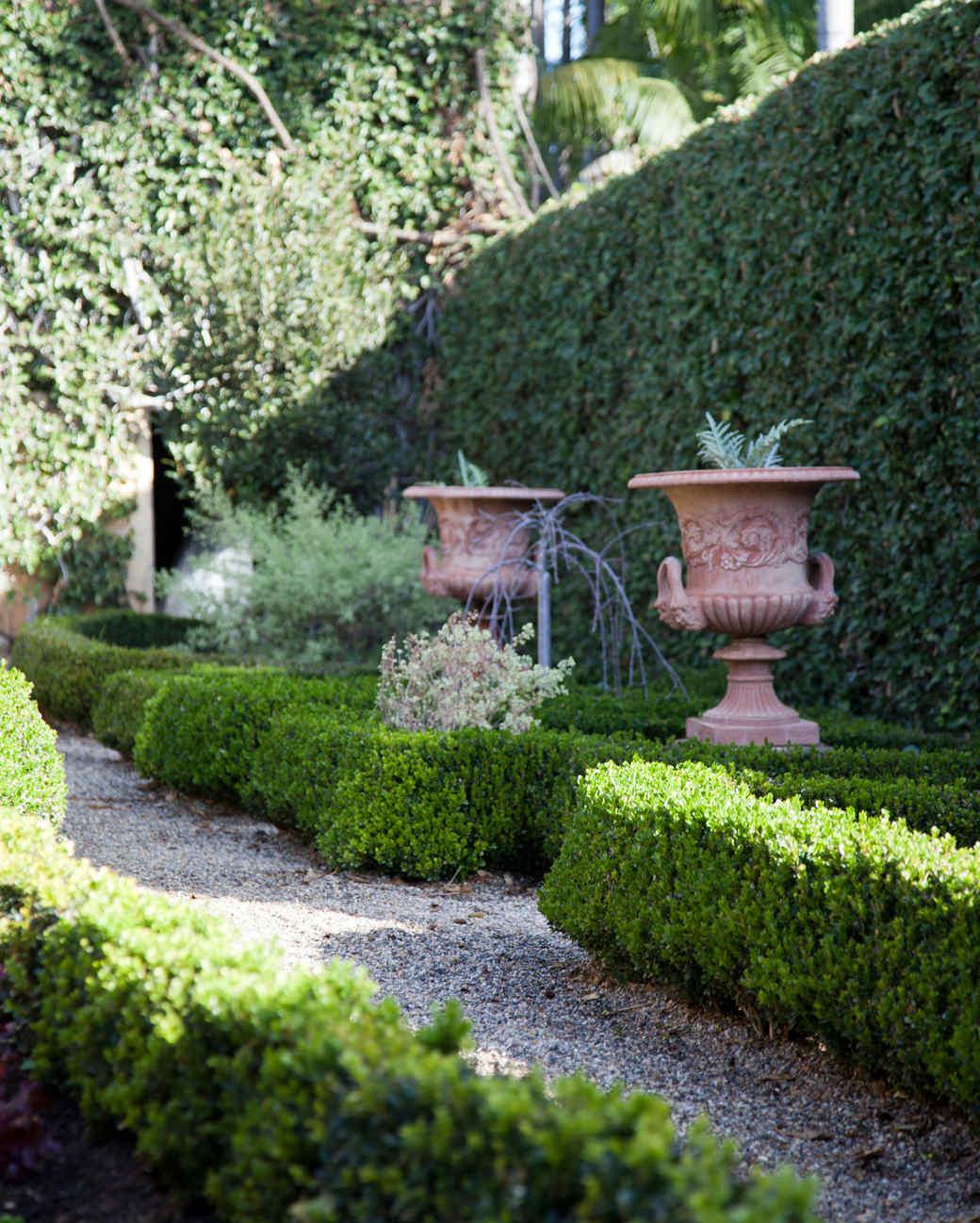 fountain-garden-path.jpg